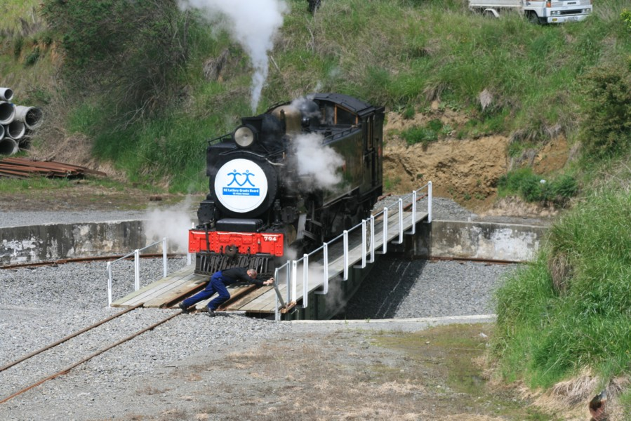 WAB 795 locomotive turning on the Taihape turntable